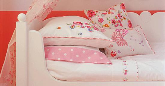 Постельное бельё для новорожденного - комплект в кроватку