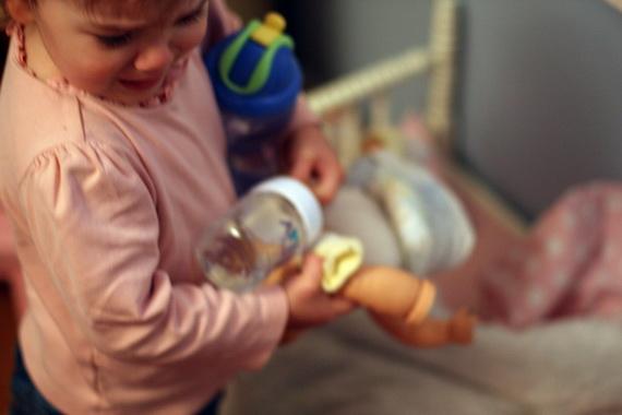 Разумеется, практически всех родителей очень беспокоит появление желтухи у их новорожденного малыша. Нормален ли этот процесс? Стоит ли его опасаться и следует ли предпринять какие-либо меры?