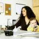 Работать или сидеть с малышом дома?